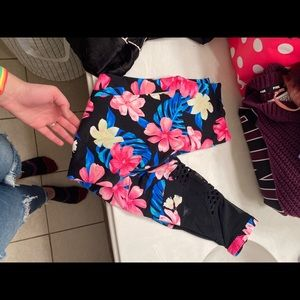 PINK Victoria's Secret Floral Leggings Medium